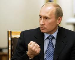 Russia: divieto di apertura a filiali di banche estere, Putin firma il decreto