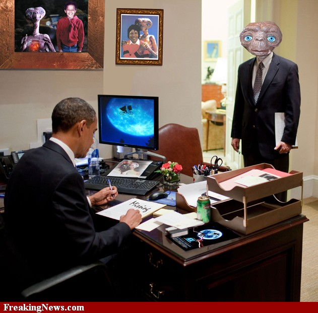 ET-Visits-Barack-Obama-s-Office--73854