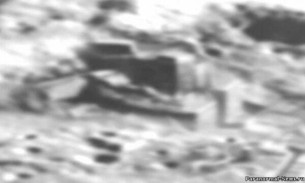 Nel 2012 la Cina ha scoperto le strutture aliene sulla Luna, così ora hanno mandato il rover Chang'e-3 in missione!